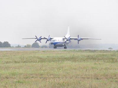С отремонтированного Черновицкого аэропорта взлетел первый самолет (ФОТО)