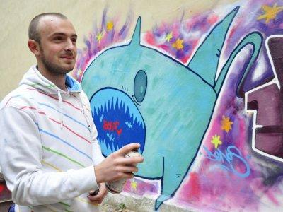 В Черновцах уличные художники разрисовали детскую площадку (ФОТО)