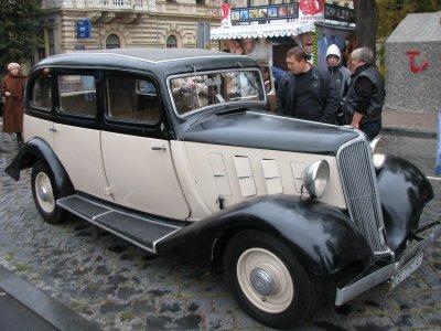 Парад раритетных авто (ФОТО)