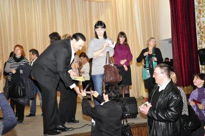 В Черновцах Гришко раздавал автографы
