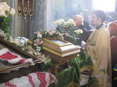 В Черновцы привезли мощи святого Пантелеймона