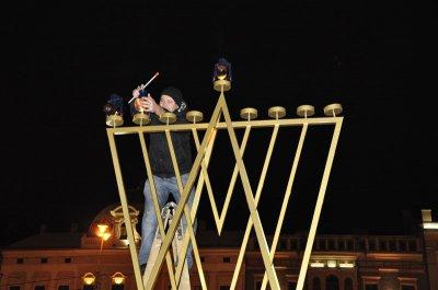 Праздник Ханука на Центральной площади Черновцов