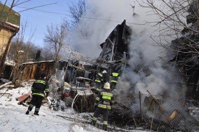 Пожар в Черновцах тушат уже более 12 часов