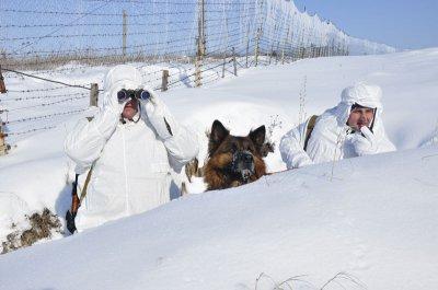 Пограничники и в морозы патрулируют границу