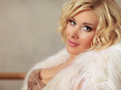 Бужинская мечтает открыть в Киеве магазин буковинских свадебных платьев