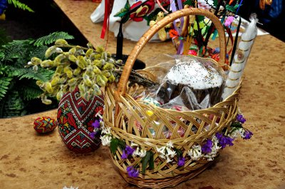 В Черновцах - фестиваль писанок и парад пасхальных корзин
