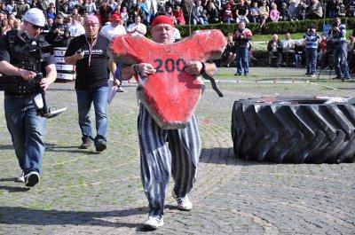 Богатырские разборки в Черновцах устроили силачи из четырех стран