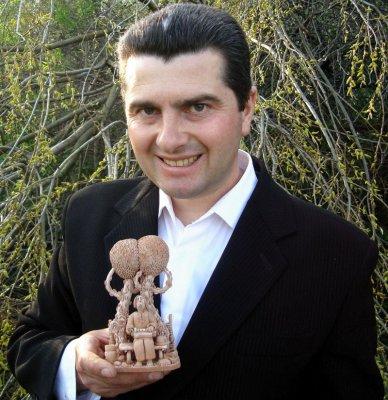 Буковинец создает поэтическую керамику