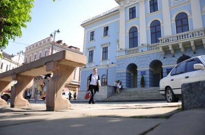 """Черновцы не имеют денег на """"безопасные"""" урны"""