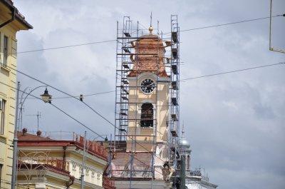 В Черновцах 30-метровой высоте перекрывают крышу костела