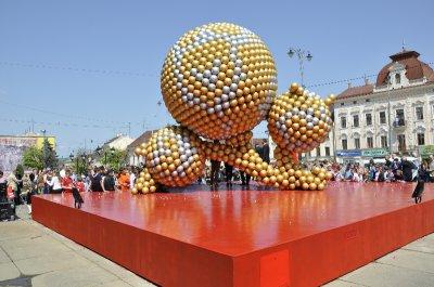 """Установка на  """"Евро-2012 """" в Черновцах - расточительность и дешевый пиар, -  """"Фронт перемен """""""