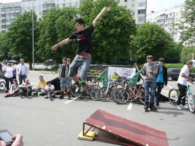 На велопарад в Черновцах пришли даже 72-летние велосипедисты