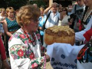 The festival Mykolaichuka Bukovina covered tables in thousands
