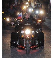 Путин опоздал к Януковичу через встречу с байкерами