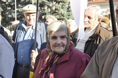 94 годовщину Буковинского вече в Черновцах отметили с партийными флагами