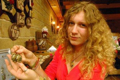 Черновчанка создала коллекцию украшений с видом Черновцов