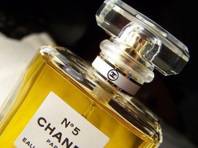 Духи Chanel № 5 могут запретить