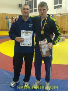 Буковинцы привезли две борцовские медали