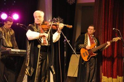Legendary & quot; Bonfire & quot;  reminded citizens of Chernivtsi songs Ihor Bilozir