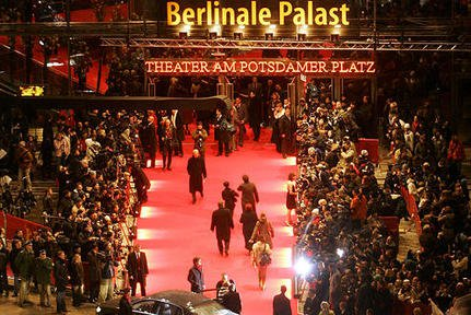 http://molbuk.ua/uploads/posts/2013-02/1360231186_beveled-berlinale1.jpg