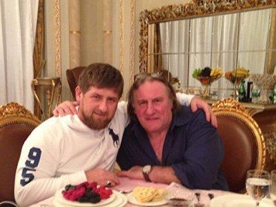 В Грозном Депардье танцевал лезгинку с Кадыровым (видео)