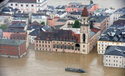 Уровень воды в Дунае поднялся на рекордную высоту (видео)
