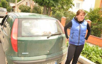 В Сторожинце правоохранители силой отбирали автомобилей беременной женщины