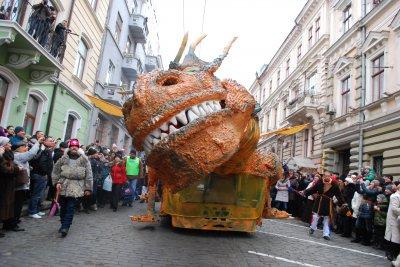 На изготовление дракона маланкари с Горбова потратили 25000