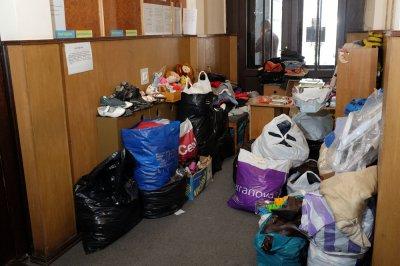 Черновчане помогают крымчанам пищей, одеждой и игрушками