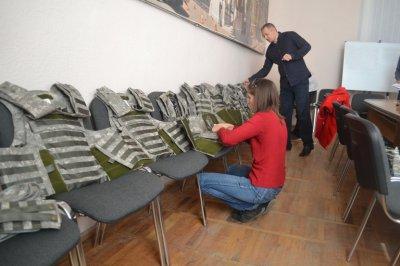 Буковинцям передадуть ще 11 бронежилетів у зону АТО (ФОТО)
