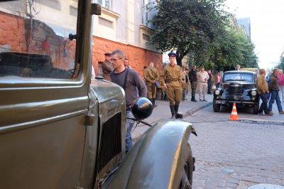 В Черновцах продолжают снимать сериал о войне ( ФОТО )