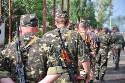 До Чернівців з Луганська повернулися ще 11 солдатів