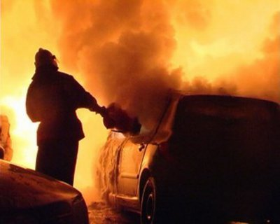 Автомобілі знову горіли на Буковині
