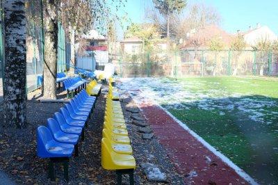 Graduating high school stadium gave Chernivtsi