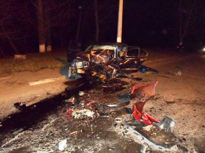 Chernivtsi last night there was a terrible accident killed a man (PHOTOS)