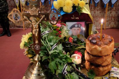 Chernivtsi said goodbye to the fallen war in the east (PHOTOS)