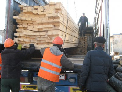 Bucovina help victims in the Donbas building materials