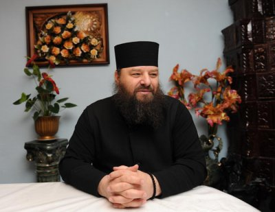 Bukovina journalists initiate deprivation Archimandrite Longin ( Heat ) title of Hero of Ukraine