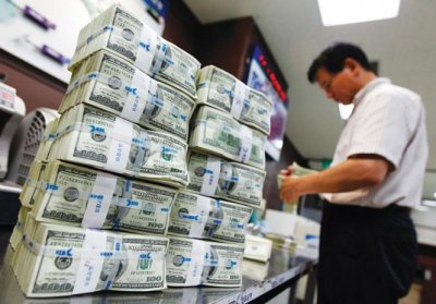 Курс долара стабільно тримається в межах 26 гривень