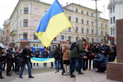 Півсотні буковинських студентів вшанували пам'ять загиблих на Майдані (ФОТО)