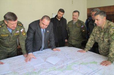 """ЗМІ: У """"ЛНР"""" узгодили карту відведення важкої зброї"""