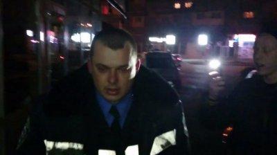 П'яного ДАІшника, затриманого активістами в Чернівцях, уже звільнили