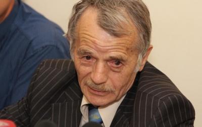 Джемілєв закликав припинити постачання Криму енергоносіїв та продуктів