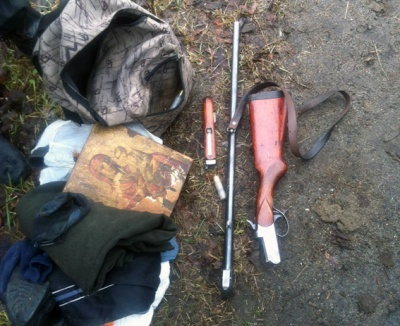 На Житомирщині затримали двох озброєних буковинців