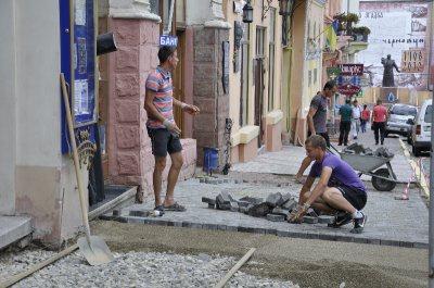 На капремонт тротуарів у Чернівцях виділили більше двох мільйонів гривень