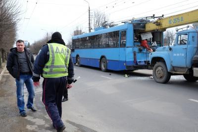 Загиблий пасажир тролейбуса сів у нього за десять метрів від ДТП