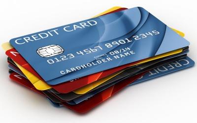 Нацбанк заборонив знімати валюту з платіжних карт