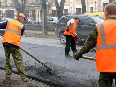 У Чернівцях цього року заасфальтують дві гравійні дороги за два мільйони гривень