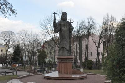 Від Януковича Чернівцям залишився пам'ятник