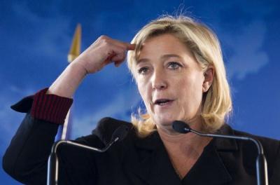 Лідер французьких ультраправих Марін Ле Пен обіцяє вивести Францію з єврозони